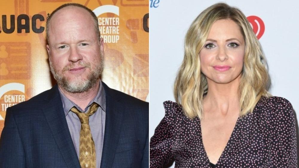 Joss Whedon et Sarah Michelle Gellar souriant