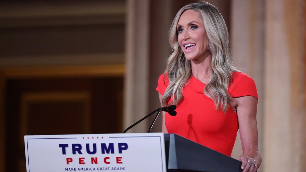 Lara Trump s'exprimant à la Convention nationale républicaine