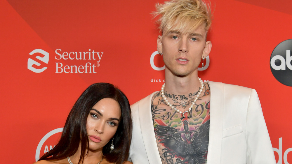Megan Fox et Machine Gun Kelly sur le tapis rouge