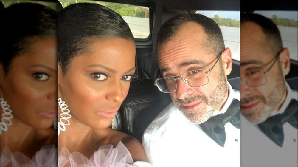 Tamron Hall et son mari Steven Greener prennent un selfie