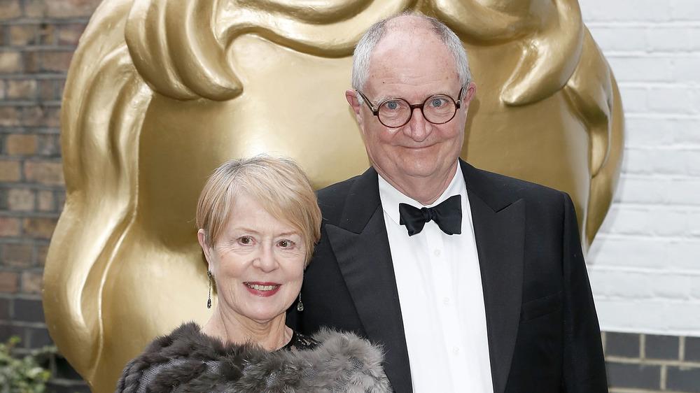 Anastasia Lewis et Jim Broadbent