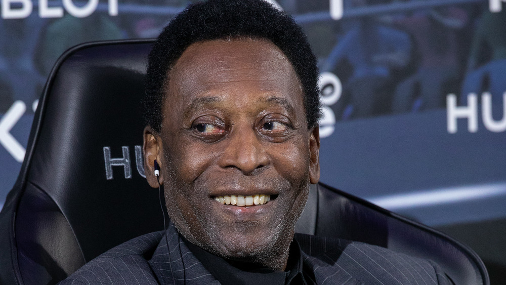 Pelé posant pour une photo en 2019
