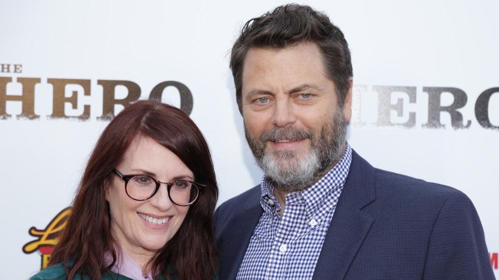 Nick Offerman et Megan Mullally souriant