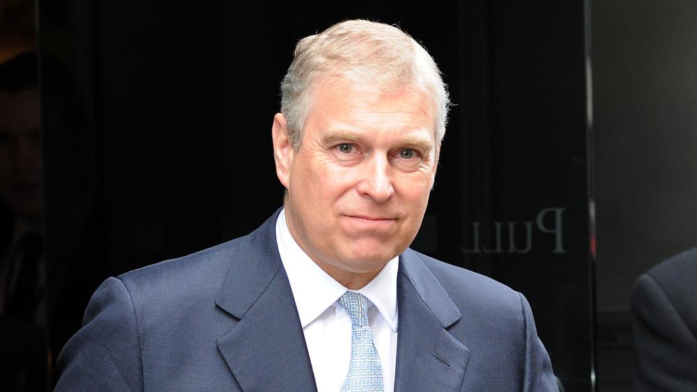 Le prince Andrew en visite à Mother London