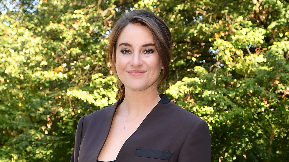 Shailene Woodley souriant
