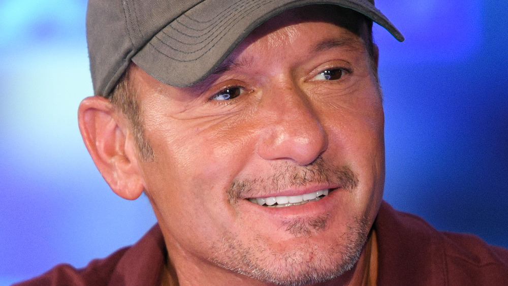 Tim McGraw souriant