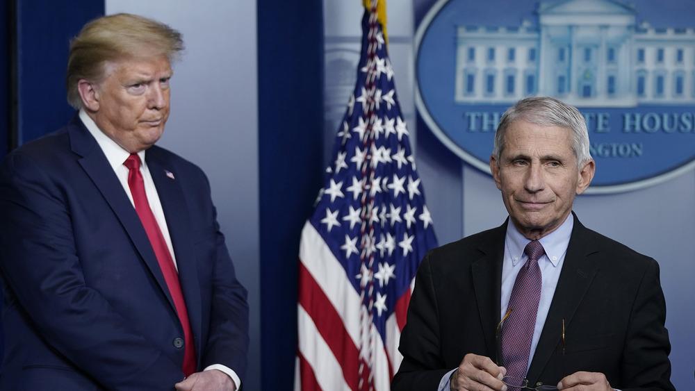 Dr Anthony Fauci et Donald Trump dans un communiqué de presse