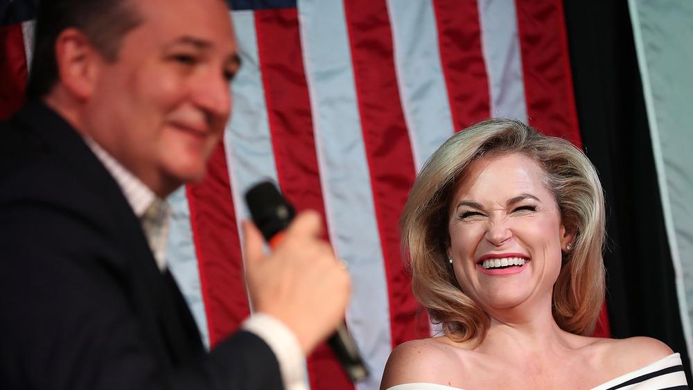 Ted et Heidi Cruz rient