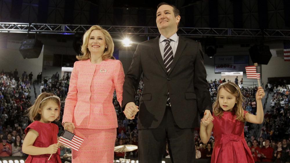 Ted Cruz, Heidi Cruz et leurs filles lors de sa campagne présidentielle en 2015