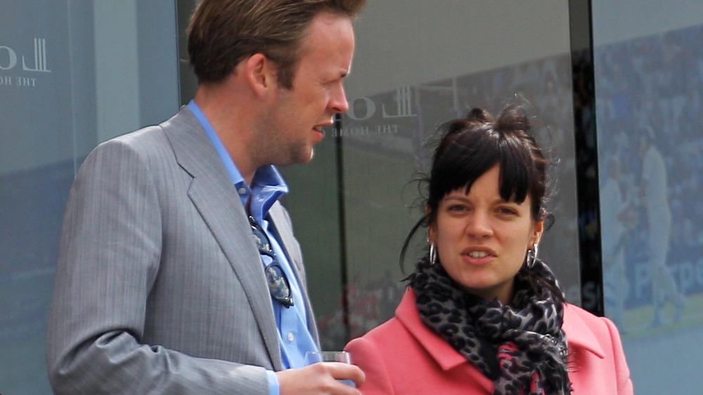Sam Cooper et Lily Allen se parlent
