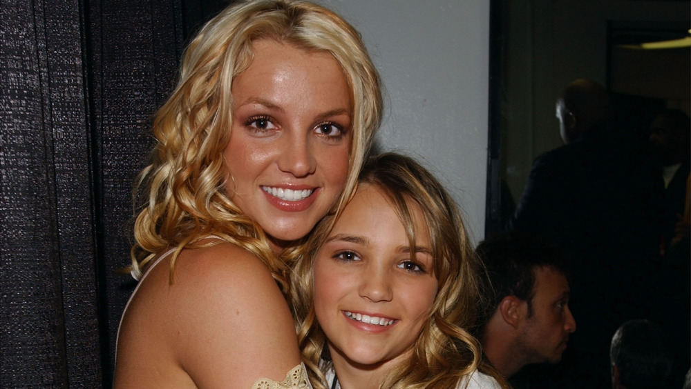 Britney Spears embrasse Jamie Lynn Spears