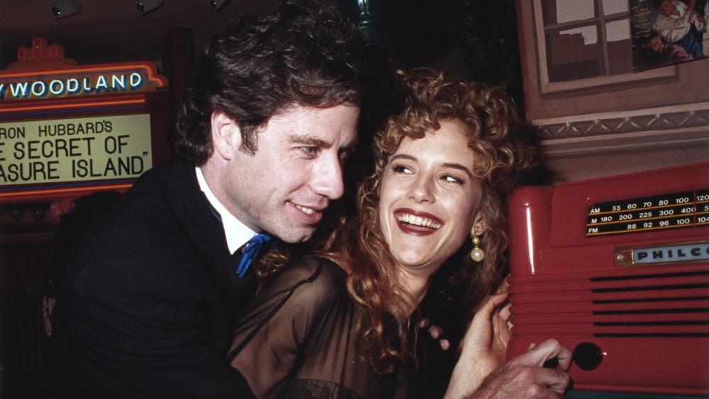 John Travolta et Kelly Preston assistant à l'ouverture du musée de l'Église de Scientologie