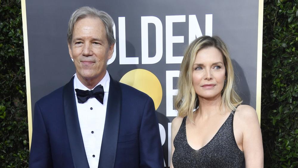 Michelle Pfeiffer et David E Kelley participant à la 77e Golden Globe Awards annuels