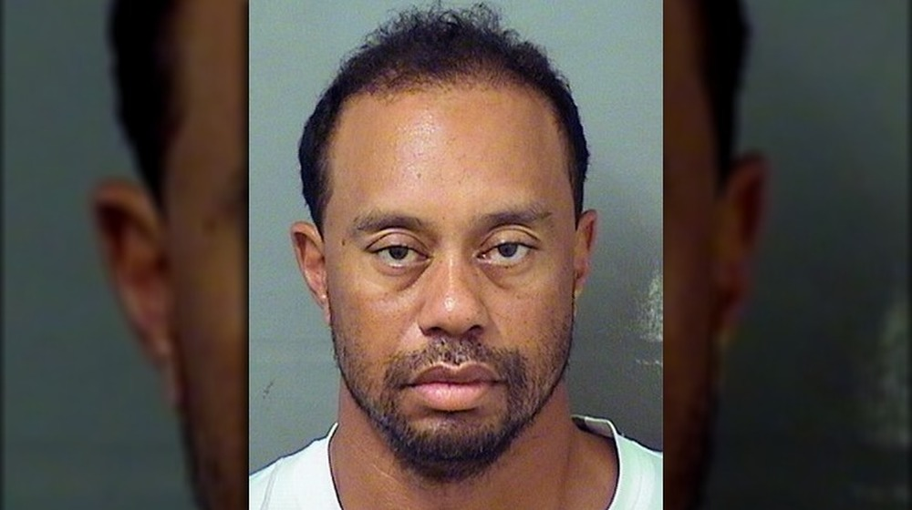 Tiger Woods posant pour sa photo de 2017