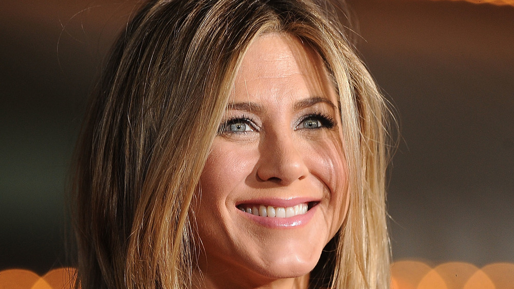 Jennifer Aniston souriante