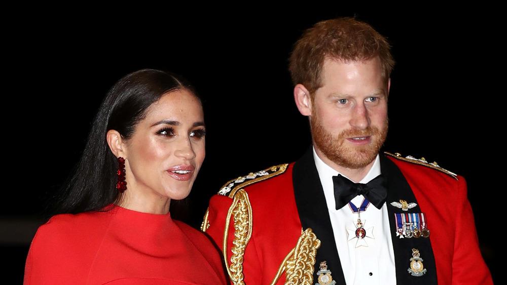 Prince Harry et Meghan Markle en rouge