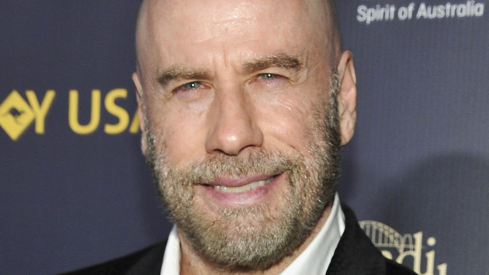 John Travolta souriant