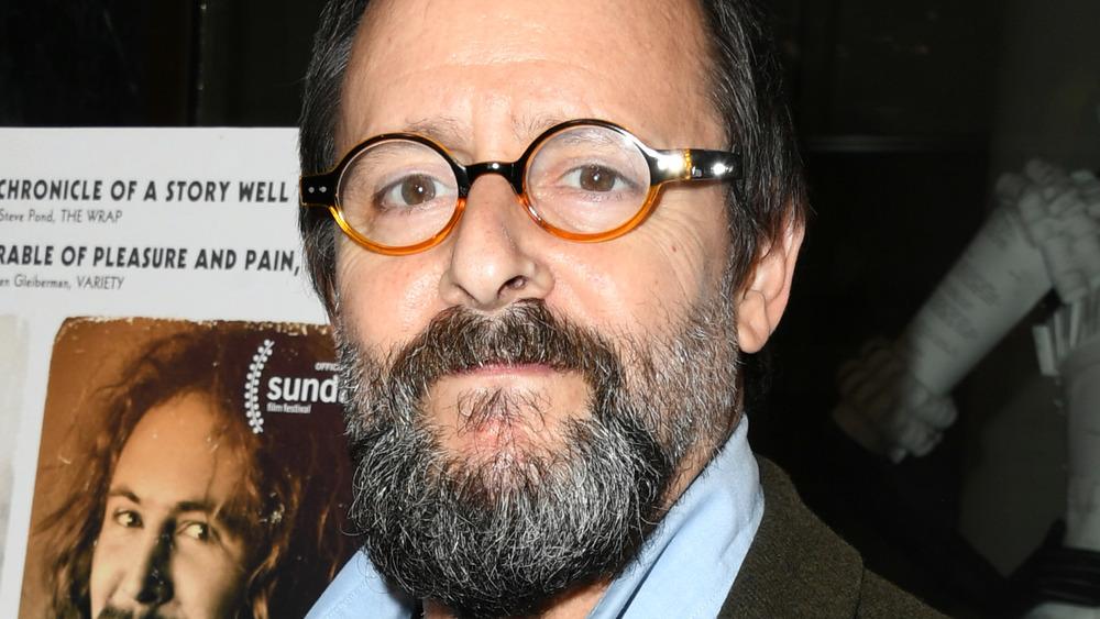 Judd Nelson avec des lunettes tapis rouge
