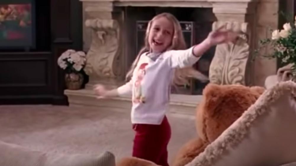 Nicole Crimi comme Kylie George dans Mean Girls