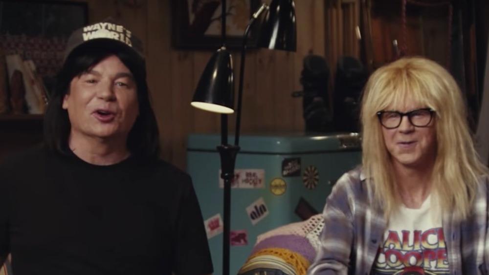Mike Myers et Dana Carvey s'exprimant à huis clos