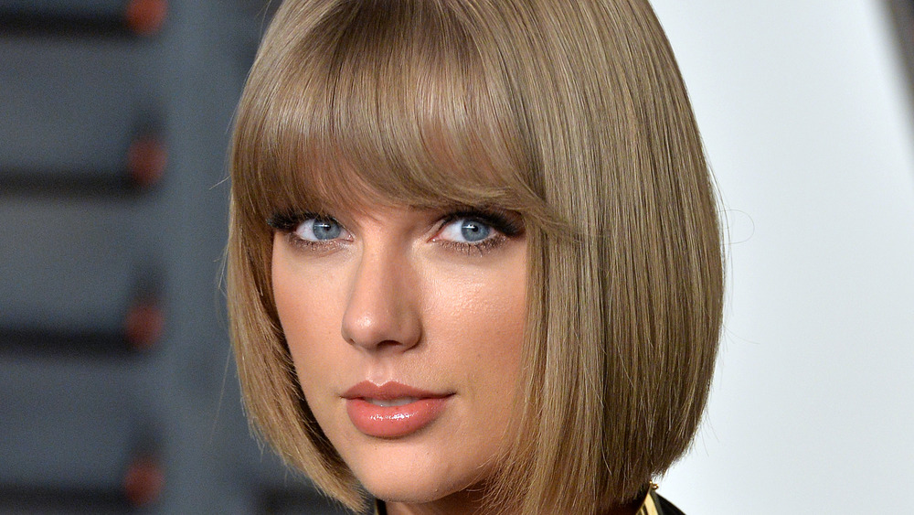 Taylor Swift souriant