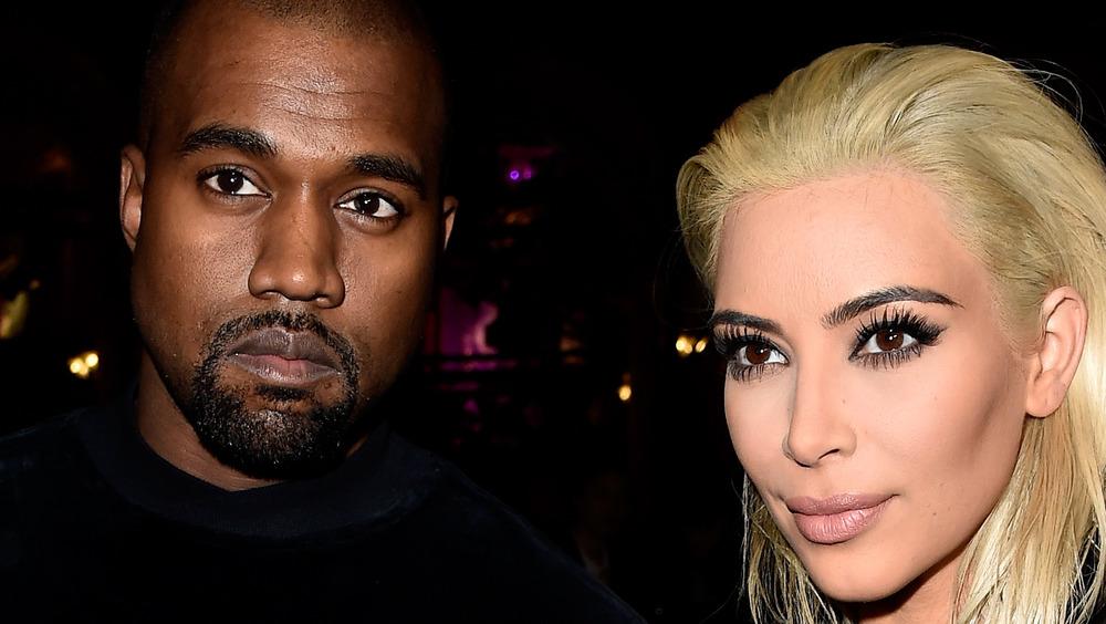 Kanye West et Kim Kardashian participant à un événement