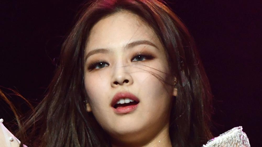 Jennie Kim de Blackpink joue sur scène