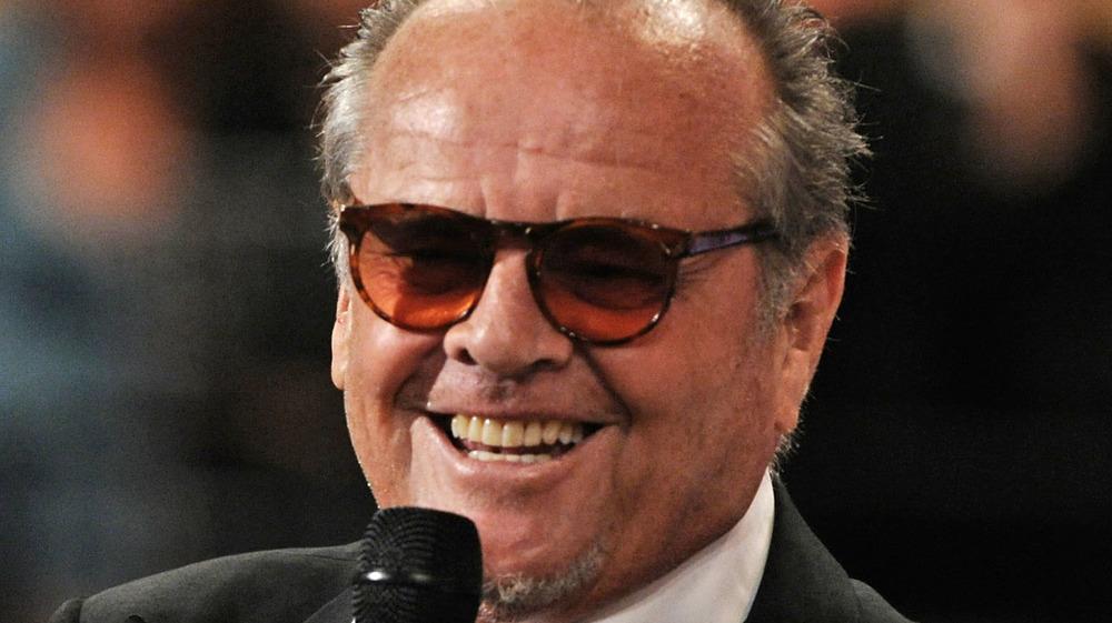 Jack Nicholson avec microphone à la main