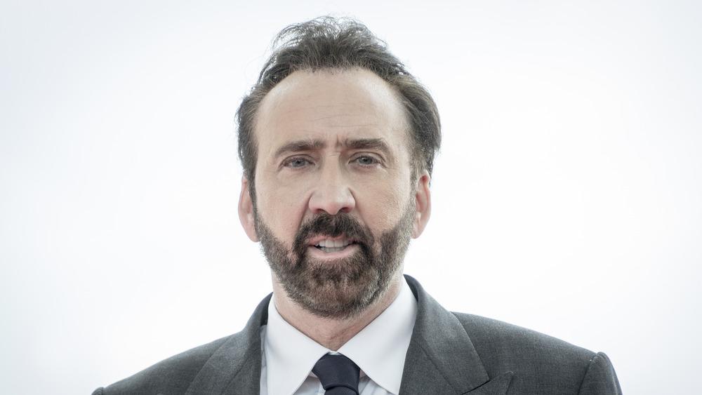 Nicolas Cage posant