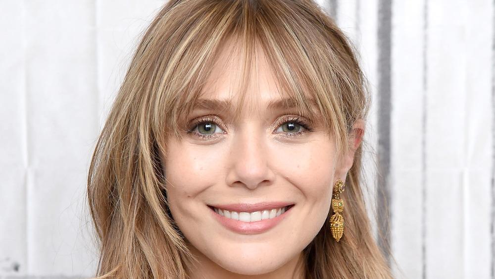 Elizabeth Olsen souriante