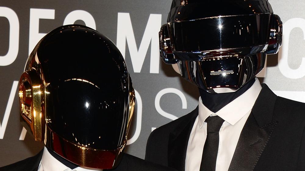 Daft Punk posant