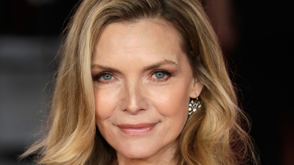 Michelle Pfeiffer souriant