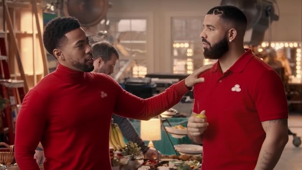 Kevin Miles et Drake dans une publicité de State Farm