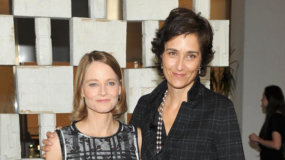 Jodie Foster et Alexandra Hedison souriant