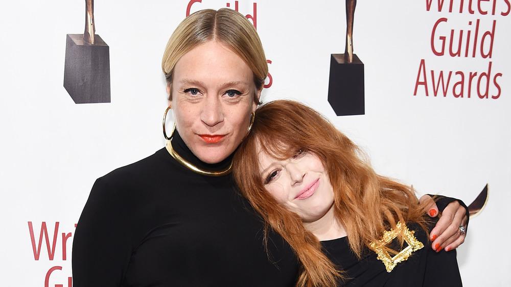 Chloé Sevigny et Natasha Lyonne bras dessus bras dessous