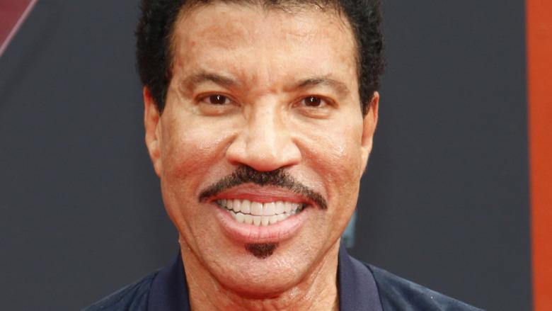 Lionel Richie souriant