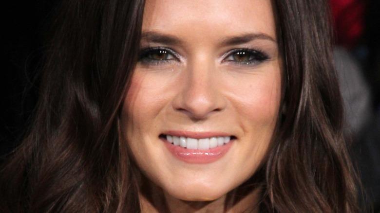 Danica Patrick souriant