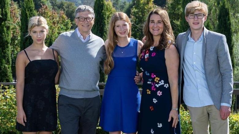 La famille Gates pose pour une photo