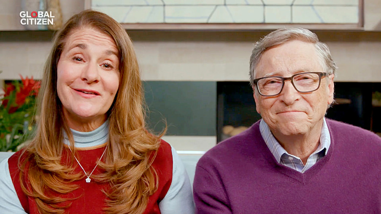 Melinda et Bill Gates s'exprimant