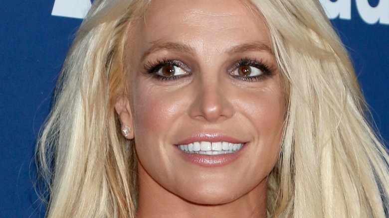 Œil latéral de Britney Spears