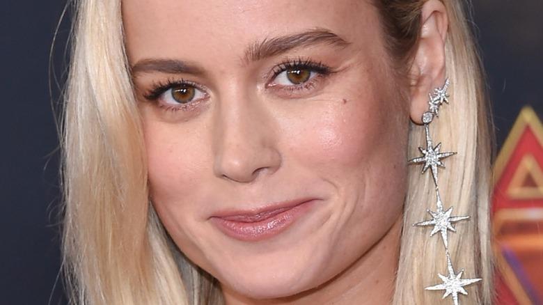 Brie Larson souriant