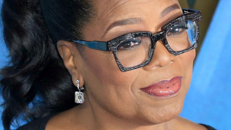 Oprah souriant