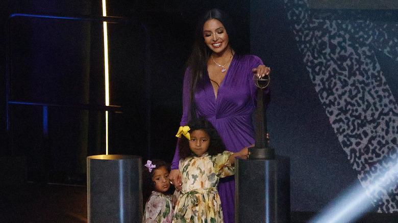 Vanessa Bryant avec ses filles Bianka et Capri
