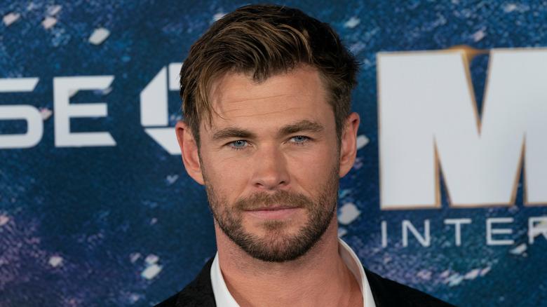 Chris Hemsworth souriant