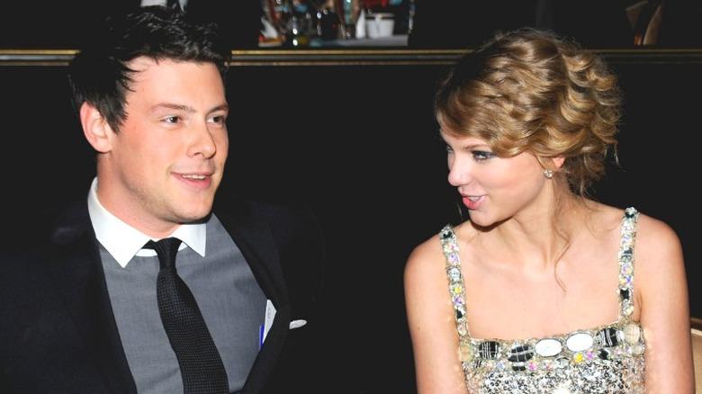 Cory Monteith et Taylor Swift en train de rire
