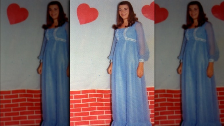 Vanna White en robe de bal
