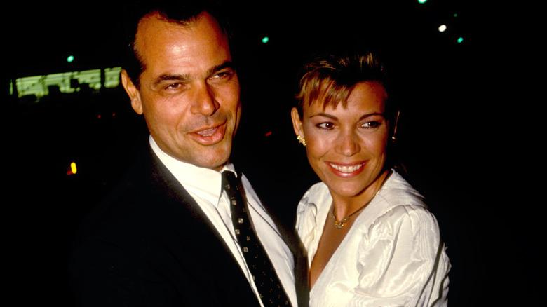 Vanna White souriante avec George Santo Pietro