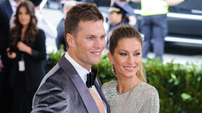 Tom Brady et Gisele Bundchen souriant