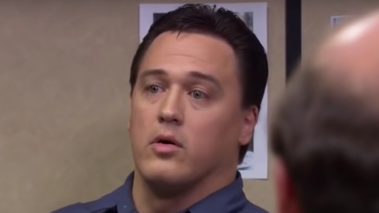 Marcus York jouant dans The Office